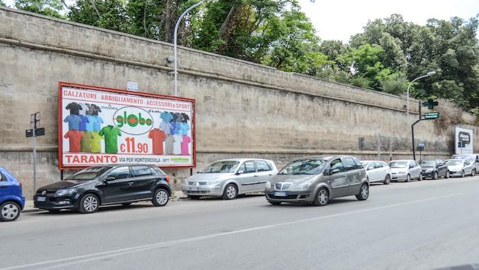 1110 – Via Cugini fronte Socrate – Taranto