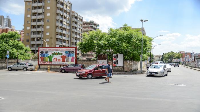 1380 – Via Pio XII angolo via Calabria – Taranto
