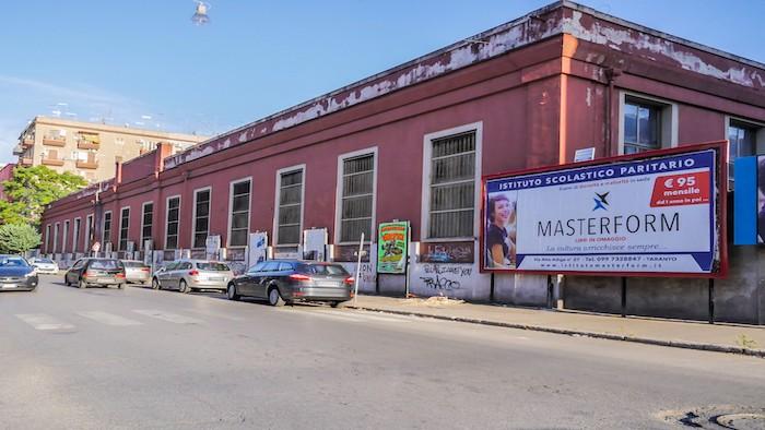 2000 – Via Dante fronte via Aristosseno – Taranto