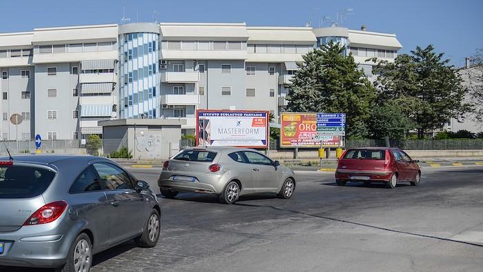 2510 – Via Consiglio angolo viale Unicef (lato Battisti) – Taranto