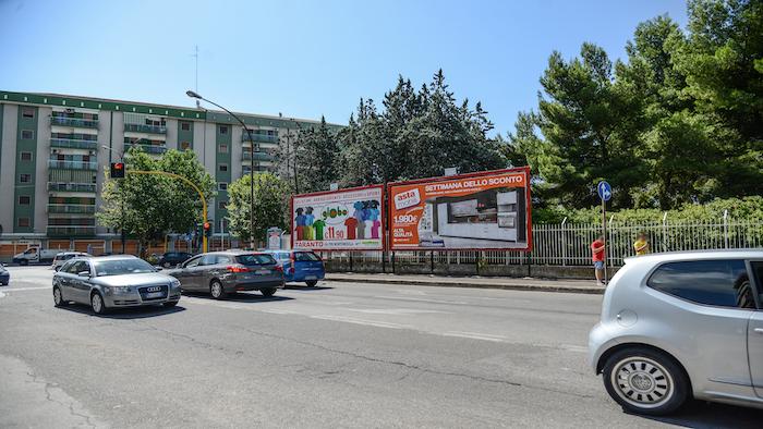 2550 – Via Alto Adige angolo viale Magna Grecia (1° da sx) – Taranto