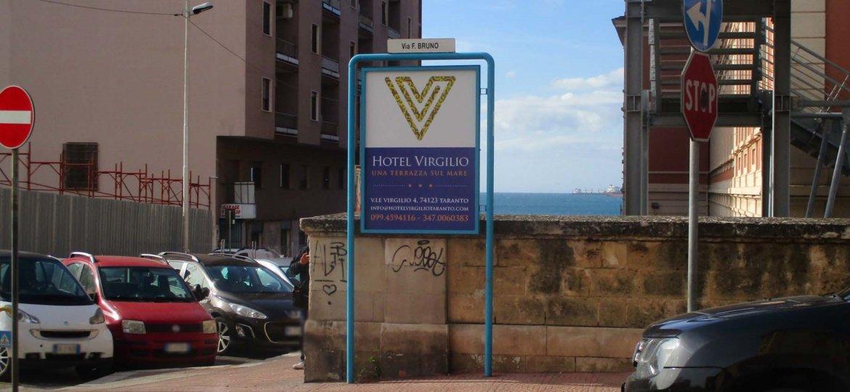 Via Bruno_Via Crispi targa vairia 100x140 Hotel Virgilio